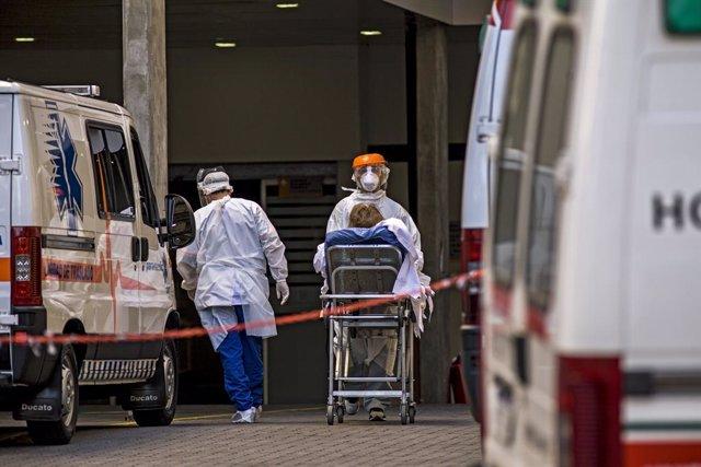 Coronavirus.- Argentina bate su récord con 8.225 casos de COVID-19 en un solo dí