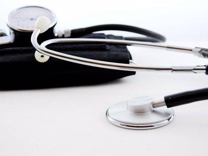 El Colegio de Médicos de Guipúzcoa analiza la posibilidad de expedientar a médicos negacionistas