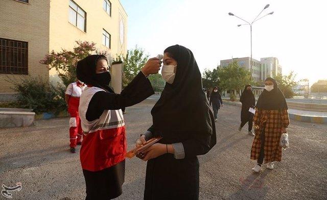 Coronavirus.- Irán detecta cierto descenso en las muertes diarias pero vuelve a