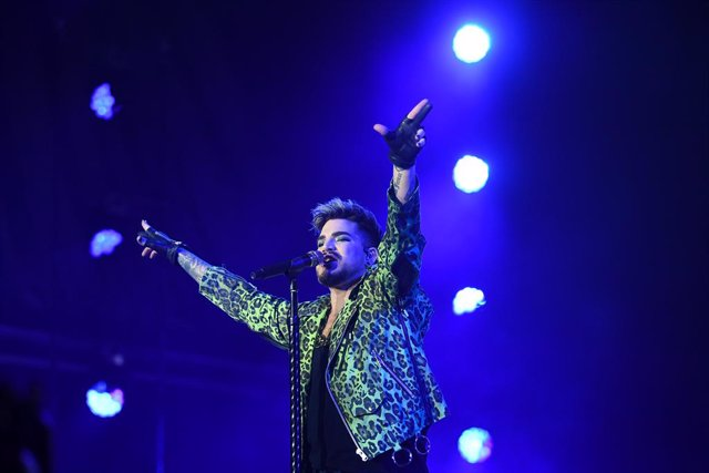 Adam Lambert of Queen performs during the Fire Fight Australia bushfire relief concert at ANZ Stadium in Sydney, Sunday, February 16, 2020. (AAP Image/Joel Carrett) NO ARCHIVING