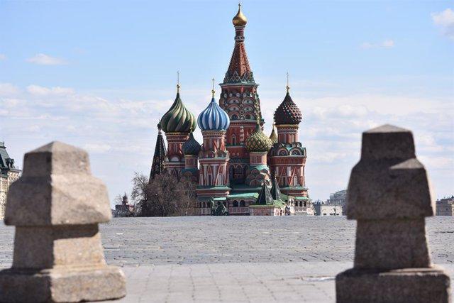 La Plaça Vermella de Moscou amb Sant Basilio al fons
