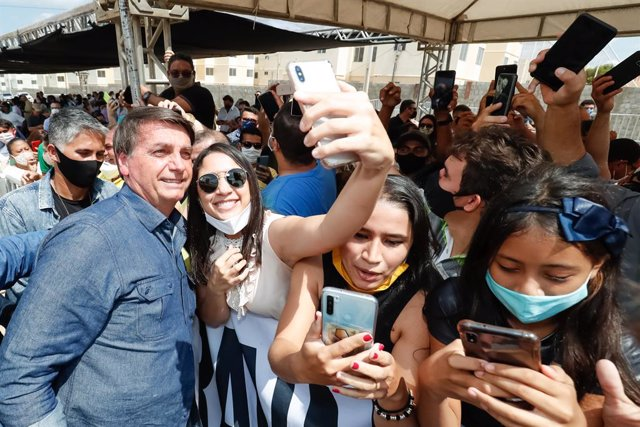 """Coronavirus.- Bolsonaro asegura que Brasil está """"volviendo a la normalidad"""" tras"""