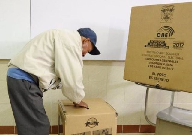 """Ecuador.- La Contraloría de Ecuador encuentra """"inconsistencias"""" en el recuento d"""