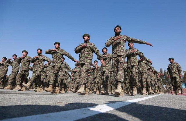Afganistán.- Al menos un agente de seguridad afgano muerto y cuatro heridos por