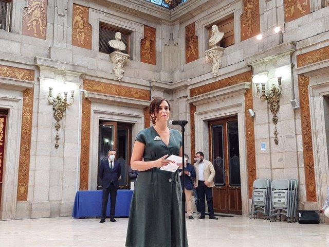 La presidenta de la Comunidad, Isabel Díaz Ayuso, en los actos por la festividad de La Paloma
