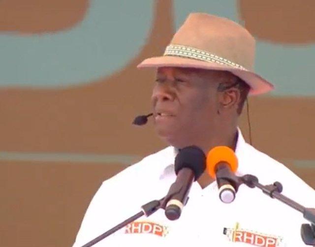 C.Marfil.- Ouattara, elegido como candidato para un tercer mandato como presiden