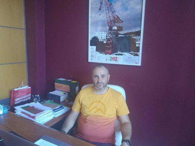 El portavoz nacional de EA, Iker Ruiz de Egino