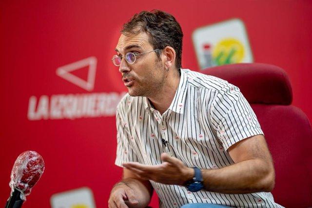 El coordinador general de IU Andalucía y portavoz de Adelante Andalucía, Toni Valero