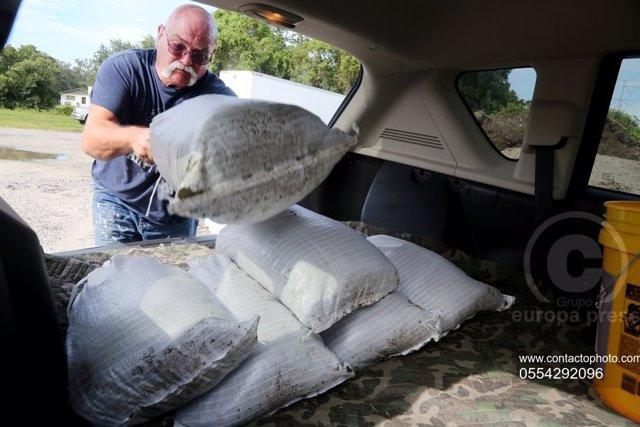 EEUU/México.- Las tormentas 'Laura' y 'Marco' podrían retroalimentarse en forma