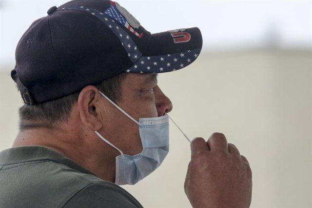 Coronavirus.- EEUU suma más de 5,6 millones de casos y 176.583 muertos por coron