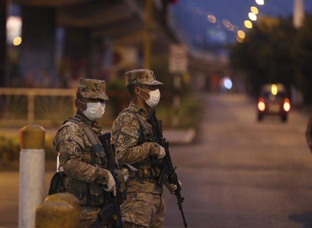 Perú.- Al menos 11 de los 13 fallecidos en una discoteca de Perú tras una interv