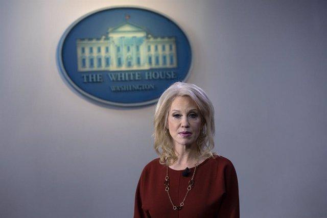 EEUU.- Trump pierde en plena campaña a Kellyane Conway, una de sus asesoras más