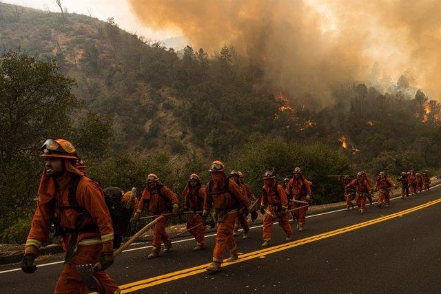 Incendios.- Envían al Ejército de EEUU y a la Guardia Nacional para ayudar en la
