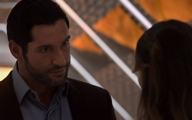 Tom Ellis En La Temporada 5 De Lucifer.