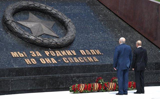 Bielorrusia.- Putin y Lukashenko analizan la crisis bielorrusa en una nueva conv