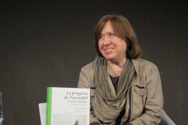 La escritora Svetlana Alexiévich, Premio Nobel de Literatura 2015