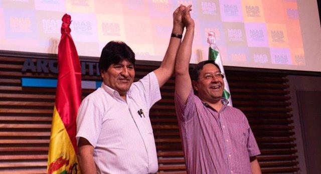 El expresidente boliviano Evo Morales y el candidato presidencial del MAS, Luis Arce