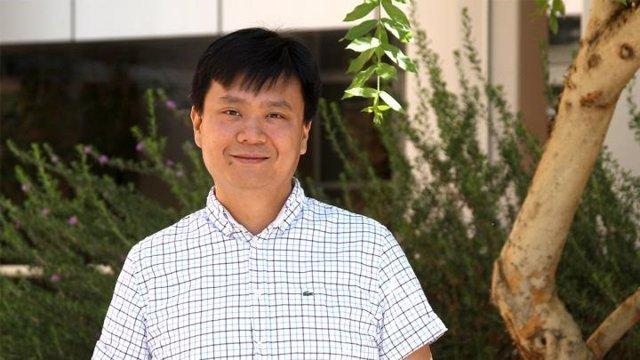 Profesor asistente Wei Liu de la Facultad de Ciencias Moleculares y el Instituto de Biodiseño de la Universidad Estatal de Arizona.