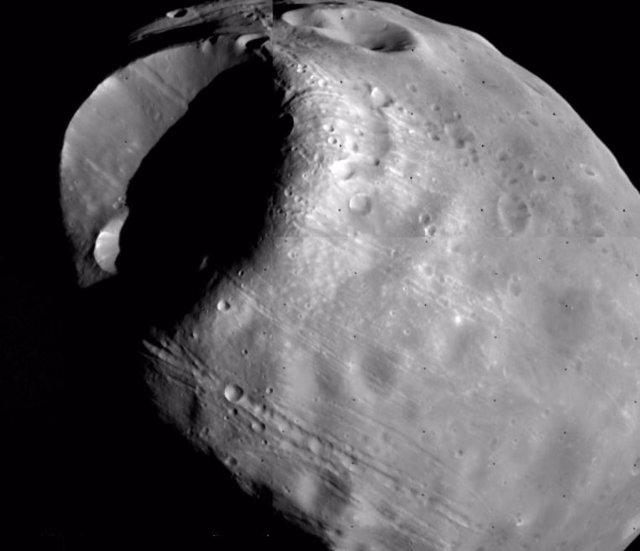 Medida inclinación del suelo marciano por el tránsito lunar de Fobos
