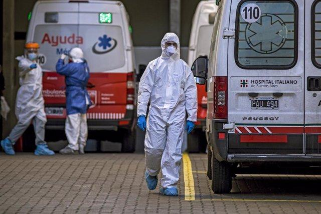 Coronavirus.- Argentina enlaza un nuevo récord de contagios con 8.771 casos en u