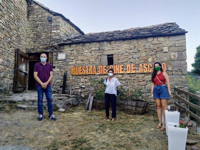Inauguración de la IX Muestra de cine más pequeña del mundo en Ascaso, Huesca