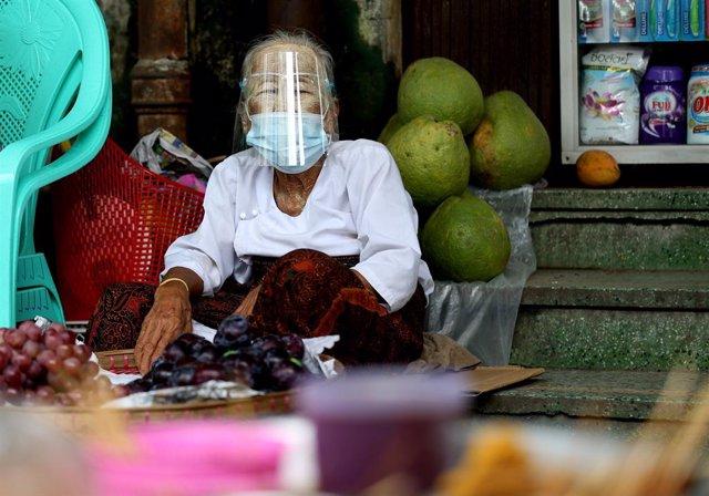 Coronavirus.- Birmania registra su mayor tasa de contagios de COVID-19, con el e