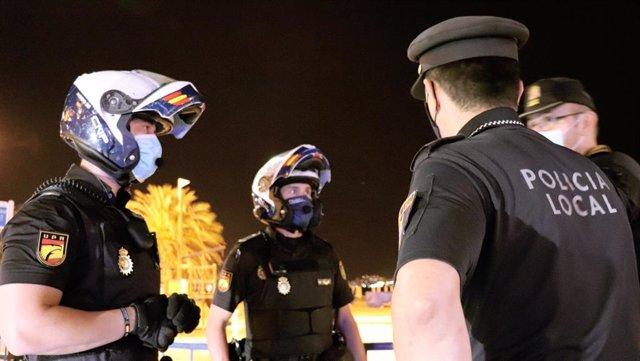 Agentes de la Policía Local de Alicante en imagen de archivo