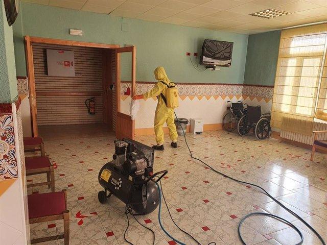 Desinfección en la residencia de Burbáguena.