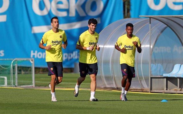 Fútbol.- Busquets y Ansu Fati adelantan su vuelta a los entrenamientos con el Ba