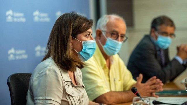 La portavoz del Gobierno de La Rioja, Sara Alba, en primer plano en la comparecencia posterior del Consejo de Gobierno