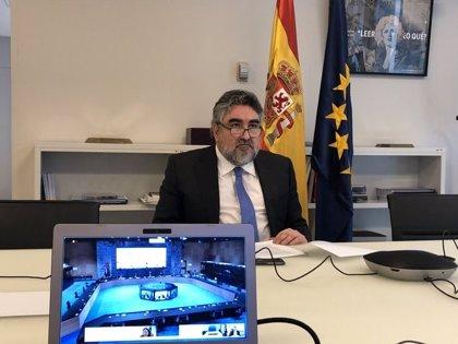 """Rodríguez Uribes """"lamenta"""" que Messi """"deje la liga española"""""""