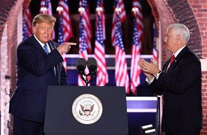 """EEUU.- Pence destaca la determinación de Trump para cumplir sus promesas pese a recibir """"implacables"""" ataques"""