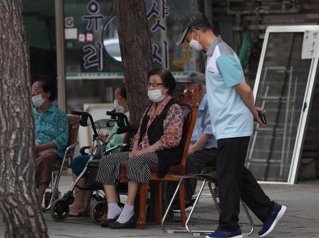 Coronavirus.- Corea del Sur supera por primera vez desde marzo el umbral de 400