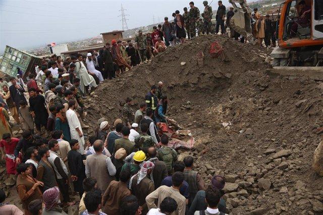 Labores de búsqueda en la provincia de Parwan tras las inundaciones provocadas por las lluvias