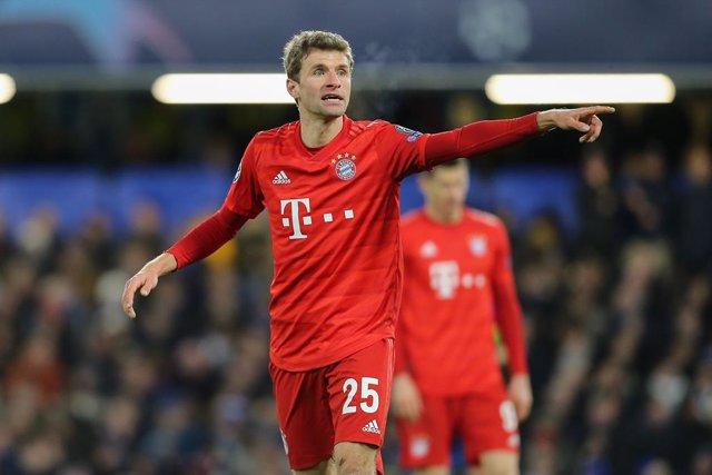"""Fútbol.- Muller bromea con Messi: """"He hablado con nuestro director financiero y"""