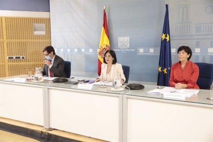 """Celaá anuncia un """"acuerdo total"""" con las CC.AA para coordinar las medidas de la 'vuelta al cole'"""