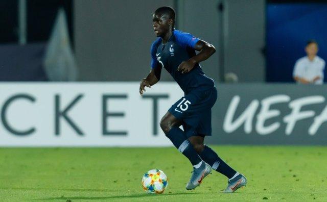 Fútbol.- El Chelsea ficha al joven defensa francés Malang Sarr