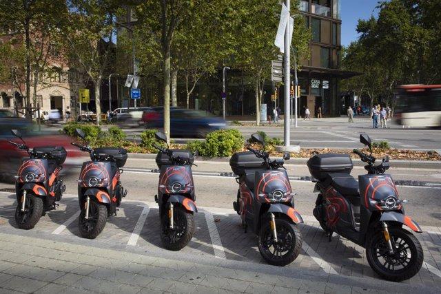 SEAT MO desplega les seves motos de motosharing a Barcelona