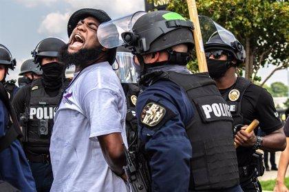 EEUU.- Manifestantes contra el racismo demandan a la Administración Trump por sofocar las protestas de forma violenta