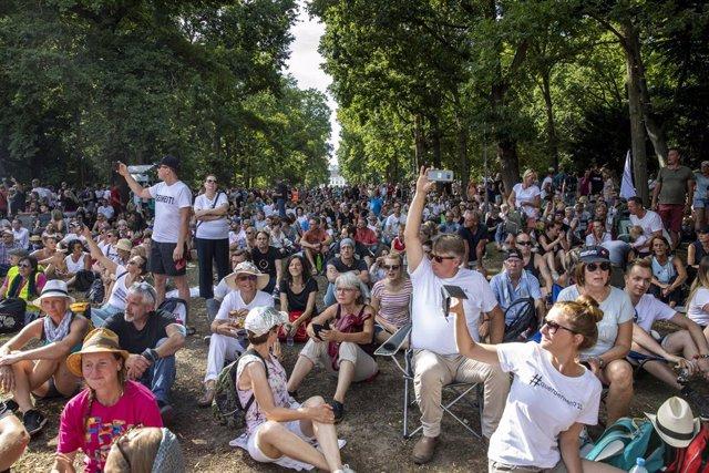 Coronavirus.- Convocan miles de protestas en Berlín tras la prohibición de una m