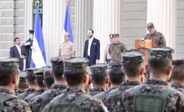 El Salvador.- Citan a declarar al jefe de la Policía en el marco de una pesquisa
