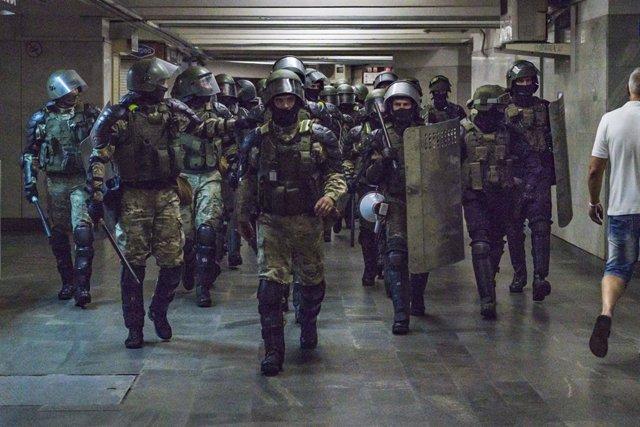 Bielorrusia.- La Policía de Bielorrusia libera a un grupo de periodistas que fue