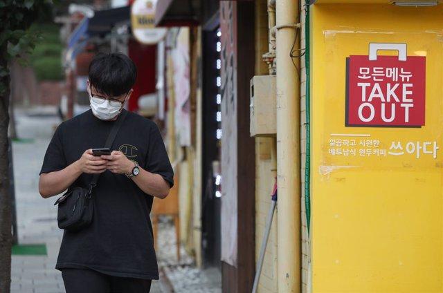Coronavirus.- Corea del Sur amplia una semana más las restricciones tras un repu