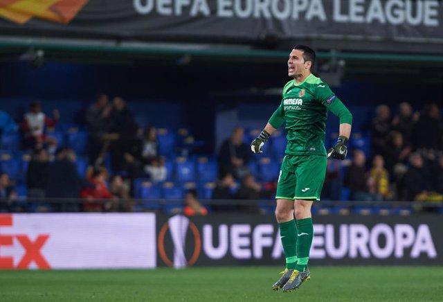 Fútbol.- Andrés Fernández vuelve al Huesca en el retorno del club a Primera