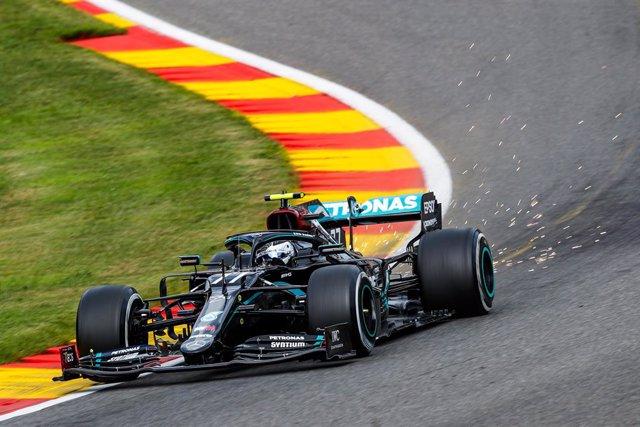 Fórmula 1/GP Bélgica.- Mercedes domina y Sainz empieza octavo en un arranque muy