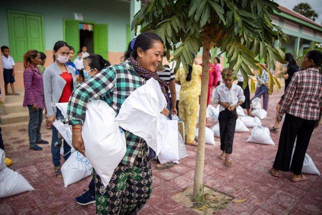Camboya.- Más de 30 ONG denuncian la nueva propuesta de ley que regula la vestim