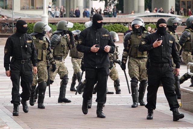 """Bielorrusia.- Lukashenko amenaza con responder a la UE: """"Les enseñaremos lo que"""