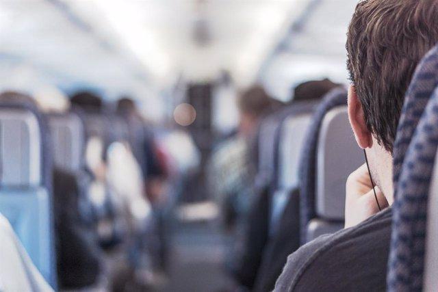 Aerolíneas y aeropuertos de Latinoamérica y el Caribe piden minimizar las cuaren