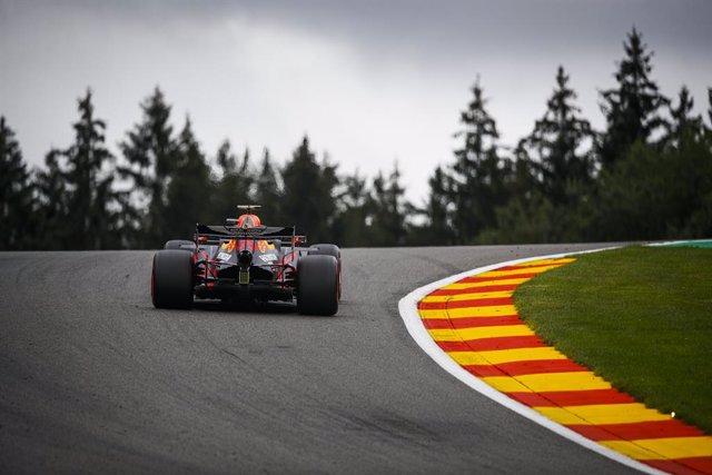Fórmula 1/GP Bélgica.- Verstappen lidera, Sainz es noveno y Ferrari se despeña