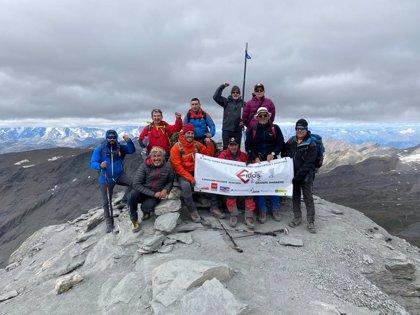 Tres montañeros ciegos coronan el Grande Sassire a 3.751 metros